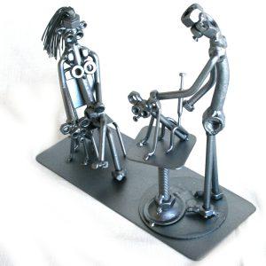 Vicces fém csavar szobor ajándék állatorvosnak