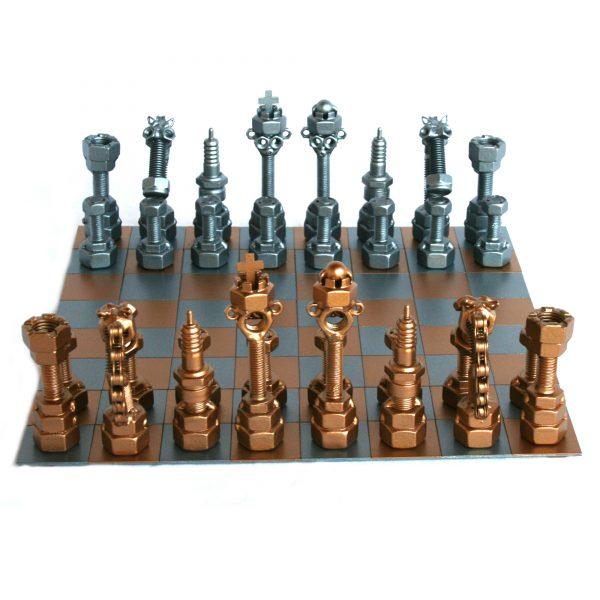 Exkluzív fém csavar szobor sakk-készlet ajándékba