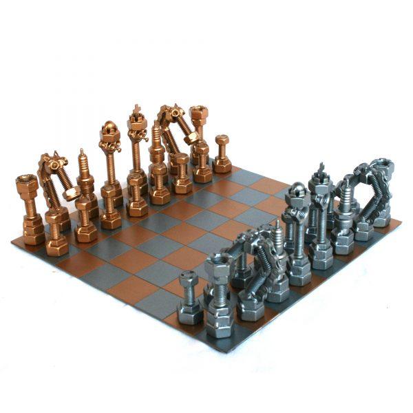 Egyedi fém csavar szobor sakk-készlet ajándékba