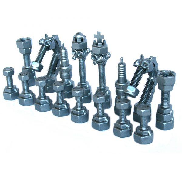 Fém csavar szobor sakk-készlet ajándékba 4