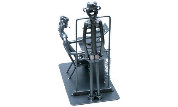 Fém csavar szobor ajándék röntgen orvosnak