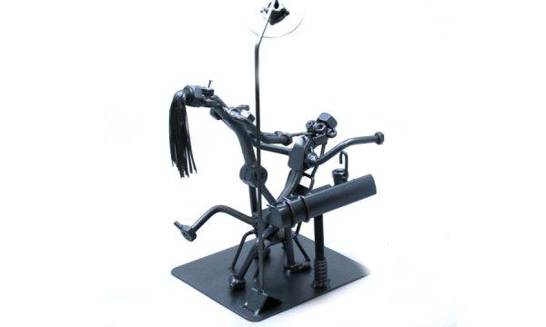 Vicces fém csavar szobor ajándék fogorvosnak